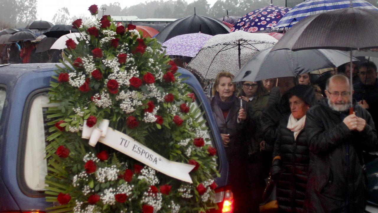 Funeral en Cambados por tres de los tripulantes muertos en el naufragio del Sin Querer 2