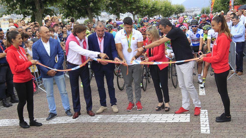 Las postales que deja el paso de La Vuelta por Galicia