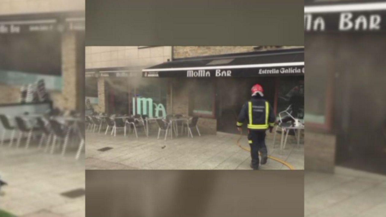 incencio cambre.Bomberos de Asturias en los incendios en San Feliz