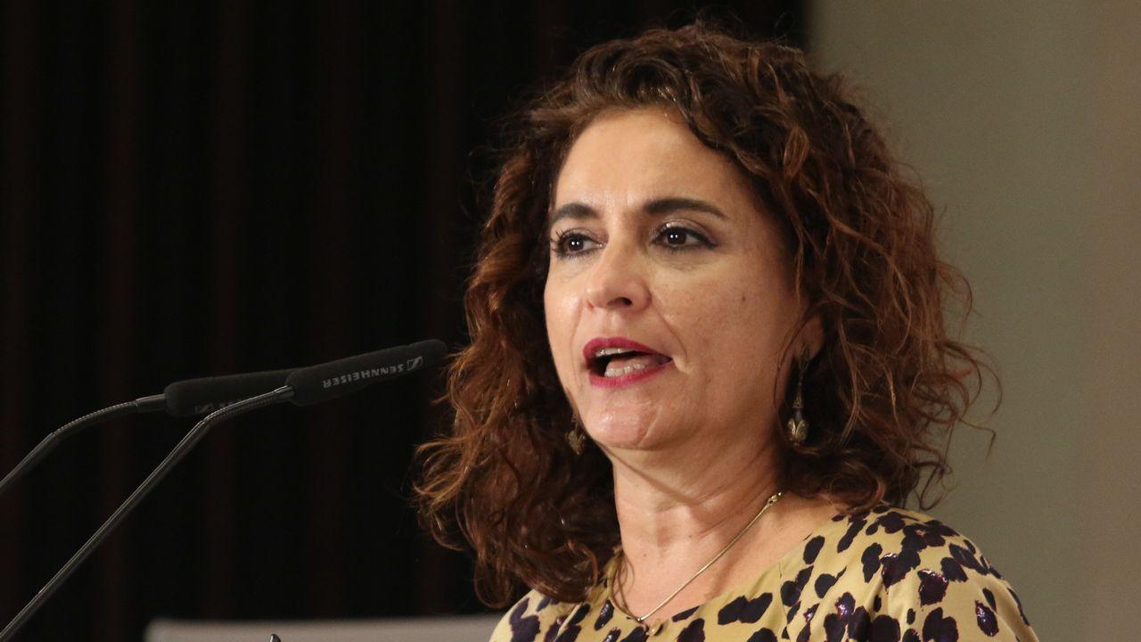 La Fiscalía se querellará contra Shakira por evasión fiscal.La ministra de Hacienda, Maria Jesus Montero
