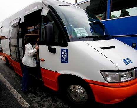 Los minibuses cubren las rutas propias de los municipios.