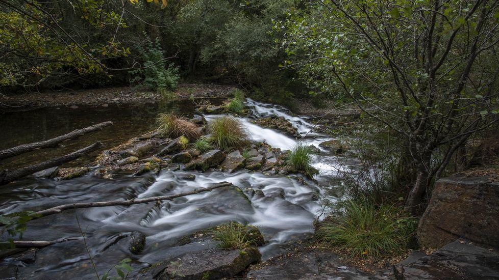 La presa de A Veiga captaba el agua que trasvasaba el acueducto