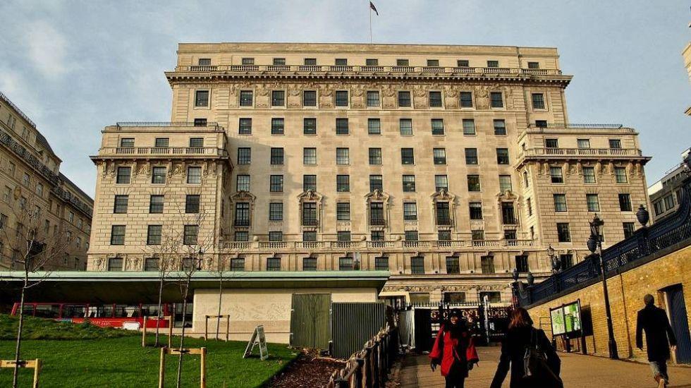 .Su inversión más elevada. El fundador de Inditex compró en diciembre Devonshire House, un edificio de oficinas londinense, por 480 millones de euros.