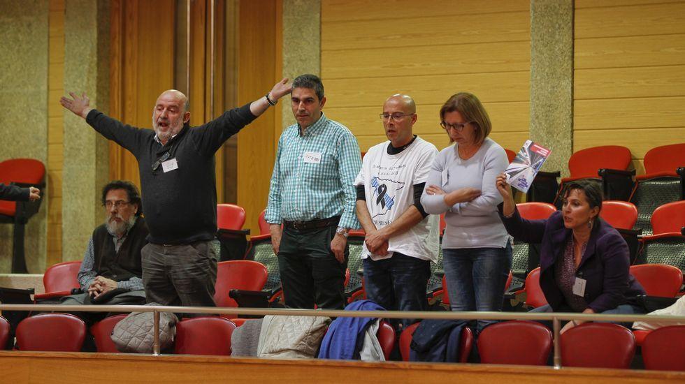 «Son uns impresentables»: los gritos de los familiares de las víctimas de Angrois.Alexandra Fernández, en el Congreso