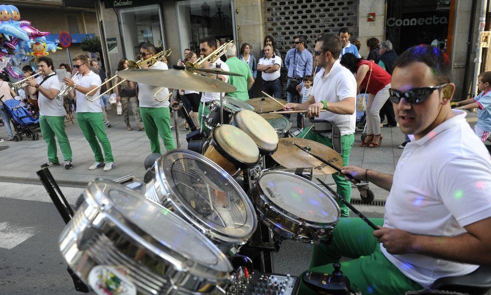 Las charangas animaron las calles estradenses durante toda la jornada de ayer.