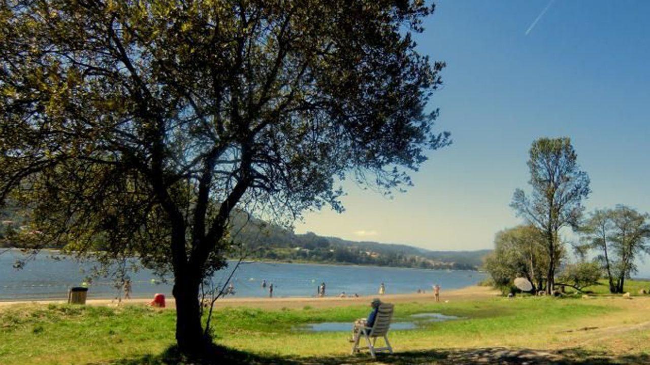 .Playa fluvial de O Rosal