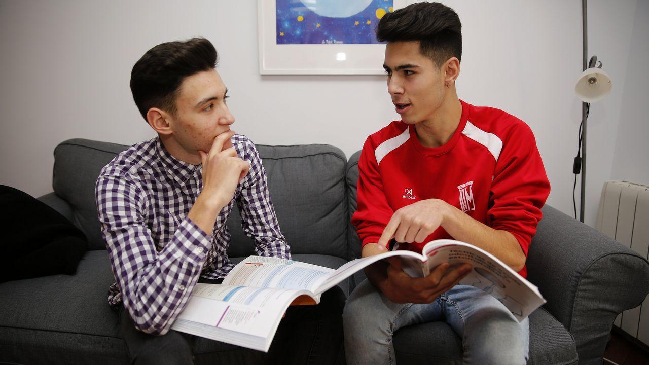 Enrique y Suso conviven en un piso tutelado de Igaxes dentro del Programa Mentor.