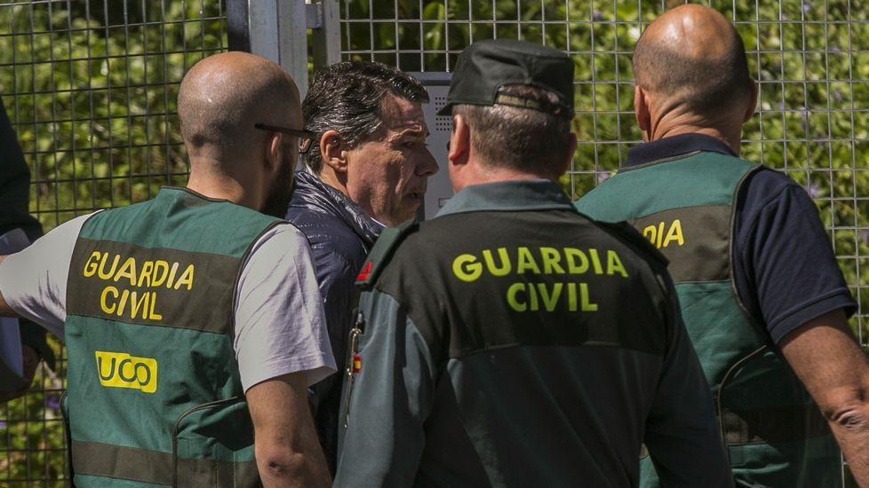 El diputado de EH Bildu, Jon Iñarritu, a la izquierda, en el Tribunal Constitucional, en una imagen de archivo