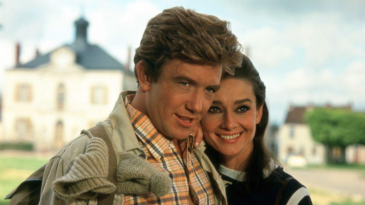 Uno de los trabajos más populares de Finney fue «Dos en la carretera», junto a Audrey Hepburn