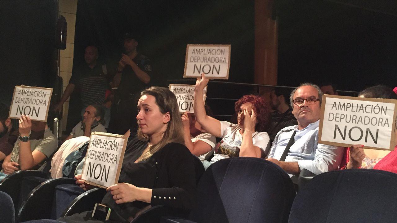 Montón dimite por las irregularidades de su máster.El presidente del Gobierno: Pedro Sánchez