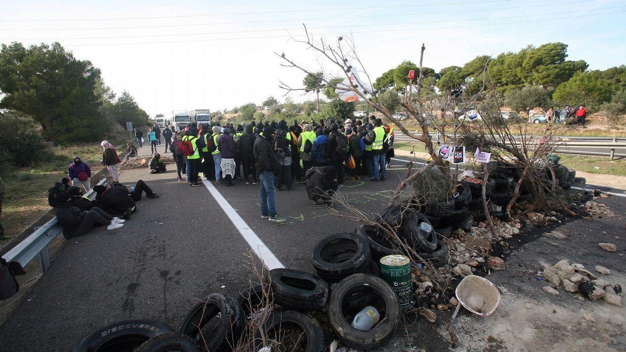 ¿Habrá purga en los Mossos?.Imagen del corte de tráfico organizado por los CDR en Tarragona