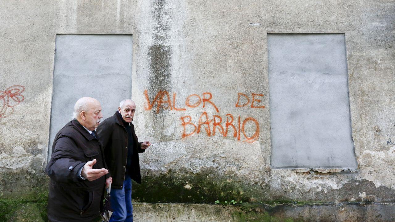 Parte de la fábrica canguesa de Massó lleva 16 años como vivienda okupa