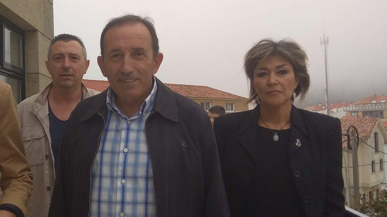 La familia de Diana Quer estuvo acompañada por los guardias civiles que dirigieron la búsqueda