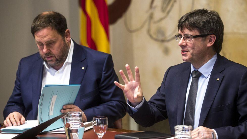 Artur Mas, insultado y abucheado en su llegada a Madrid