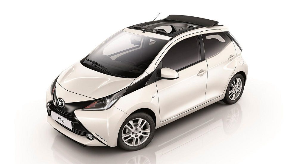Juicio por una supuesta estafa de un millón de euros.Toyota Auris 140H Touring Sports Feel! Bi-Tono