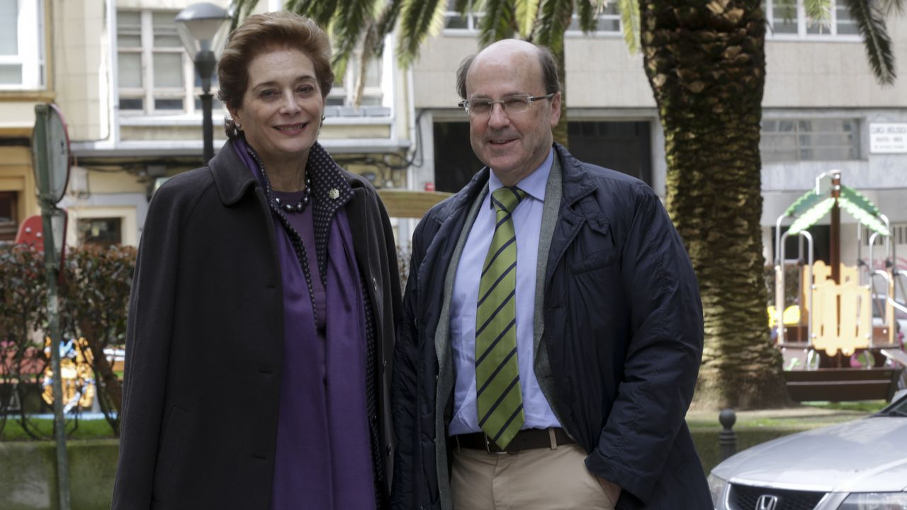 .Elena Viturro, junto a Manuel Aguilar, su sucesor