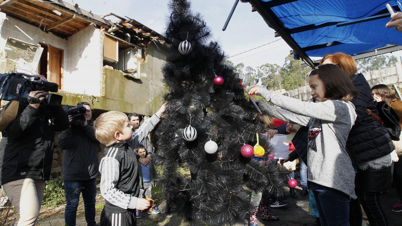 Vecinos de Paramos piden que sean sus últimas navidades sin techo