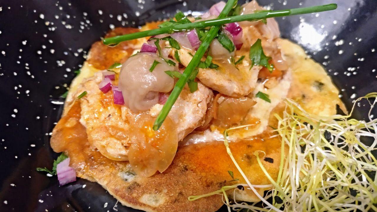 Albahaca: Escabeche de albacora sobre pancake de grelos, espuma de soja y praliné de castañas