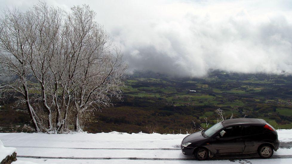 Veinte centímetros de nieve de abril.El meandro del Cabo do Mundo, entre Chantada y O Saviñao, estará incluido en una ruta geológica por el Miño