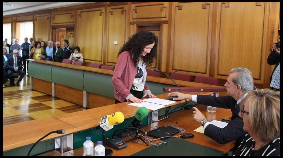 José Tomé se hace con el control del PSOE de Lugo para gobernar la Diputación.Katy Varela, el pasado sábado, en su toma de posesión como concejala del PP