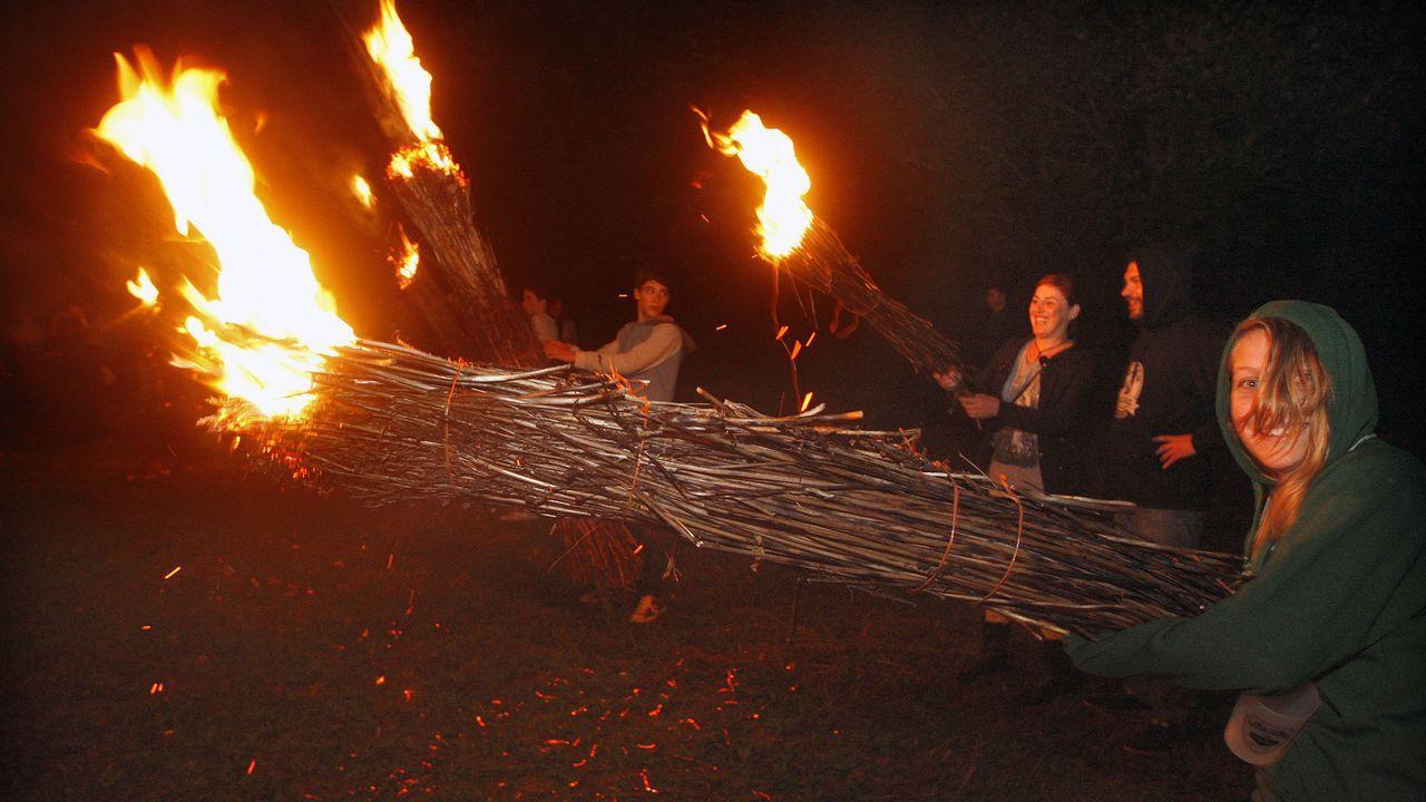 En el Castro da Besta se celebra en septiembre el espectacular folión de fachas