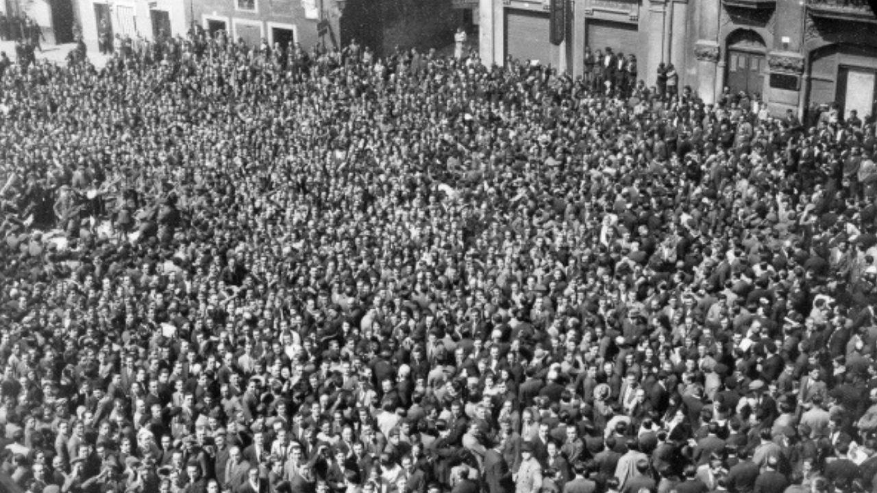 Las multitudes de la Segunda República en Gijón.Una escuela infantil