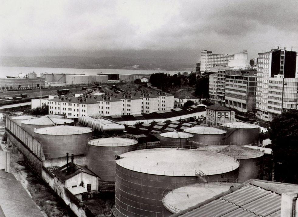 Depósitos y naves donde hoy está el parque Europa