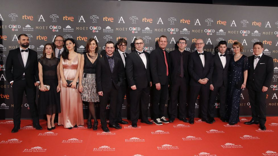 Los nominados al mejor cortometraje de ficción a su llegada a la gala, que se celebra en el Marriott Auditorium Hotel de Madrid