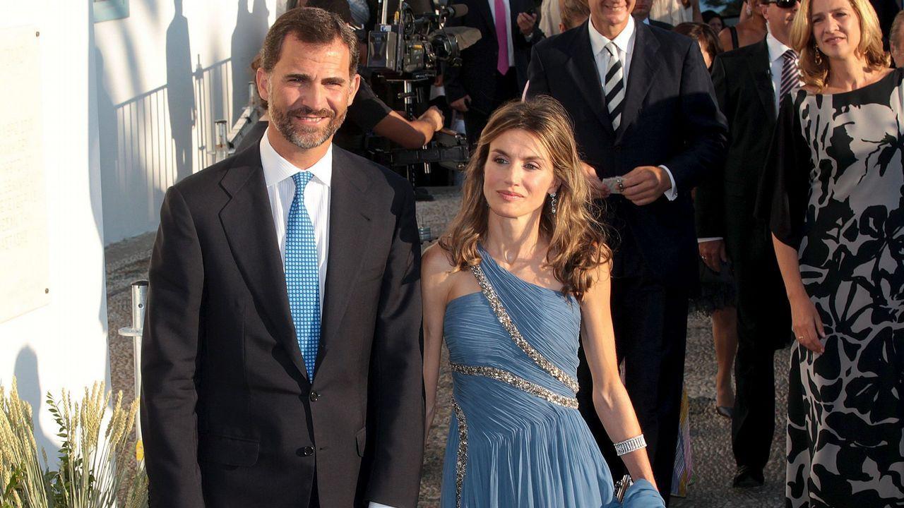 2010. Los príncipes  su llegada al enlace matrimonial de Nicolás de Grecia con Tatiana Blatnik