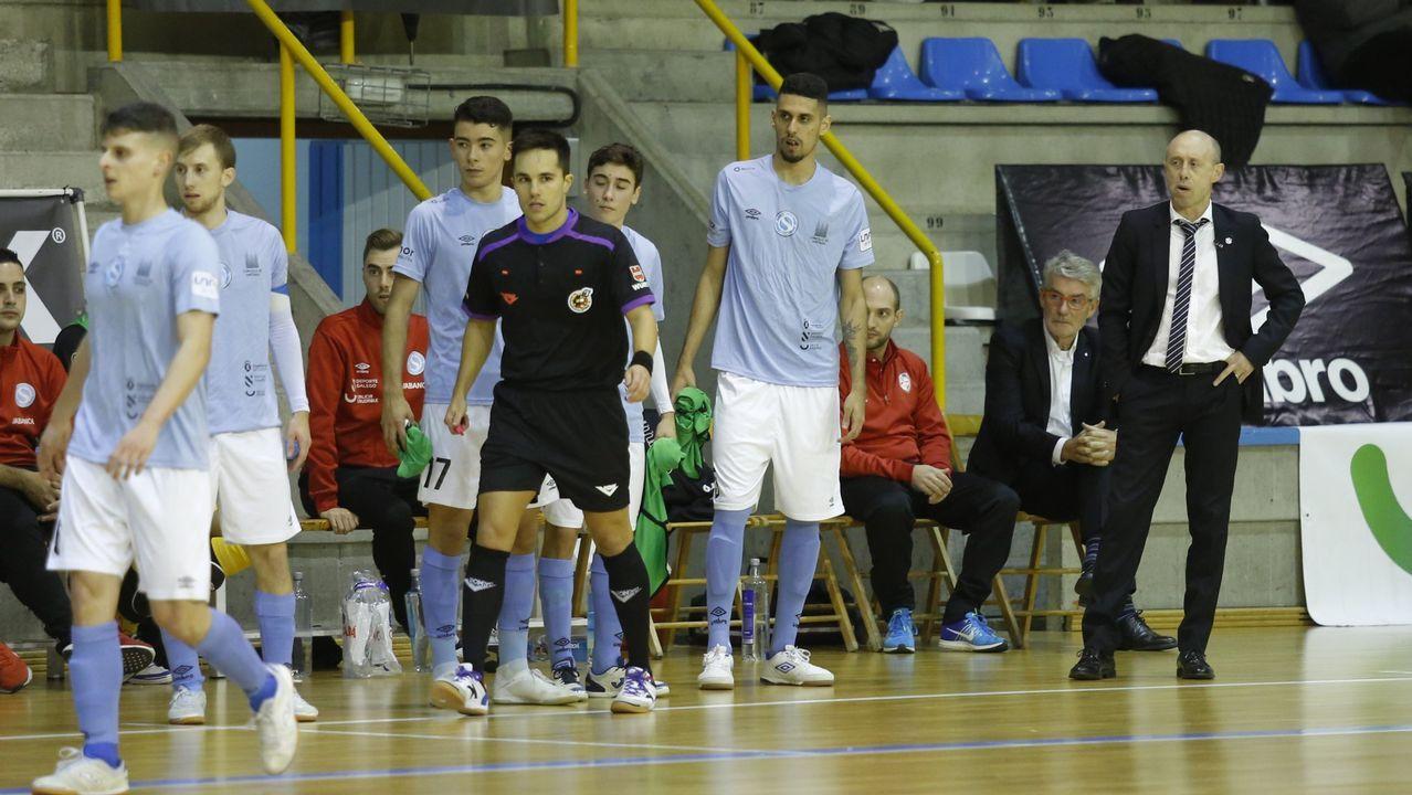 derbi Real Oviedo Sporting Carlos Tartiere.Ibra remata para adelantar al Real Oviedo ante el Sporting