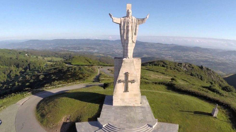 Cristo del Sagrado Corazón a vista de dron