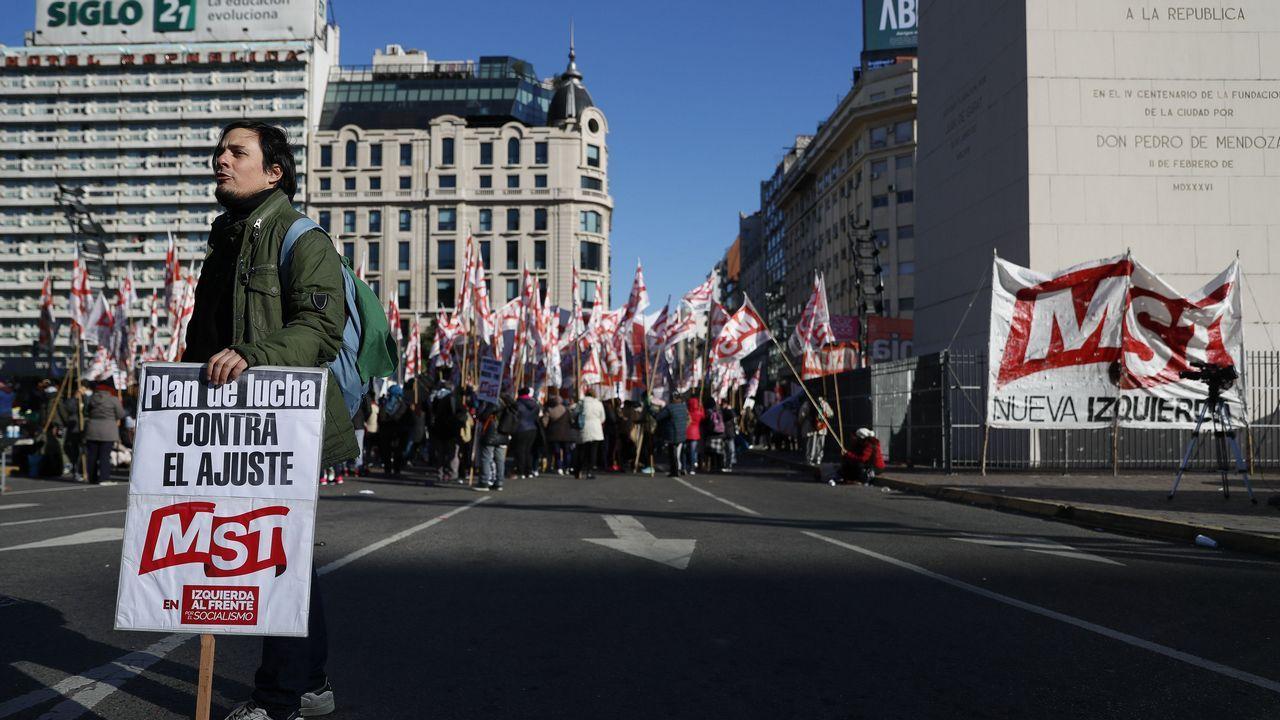 .Los sindicatos se felicitan por la masiva adhesión al paro que dejó la capital semidesierta