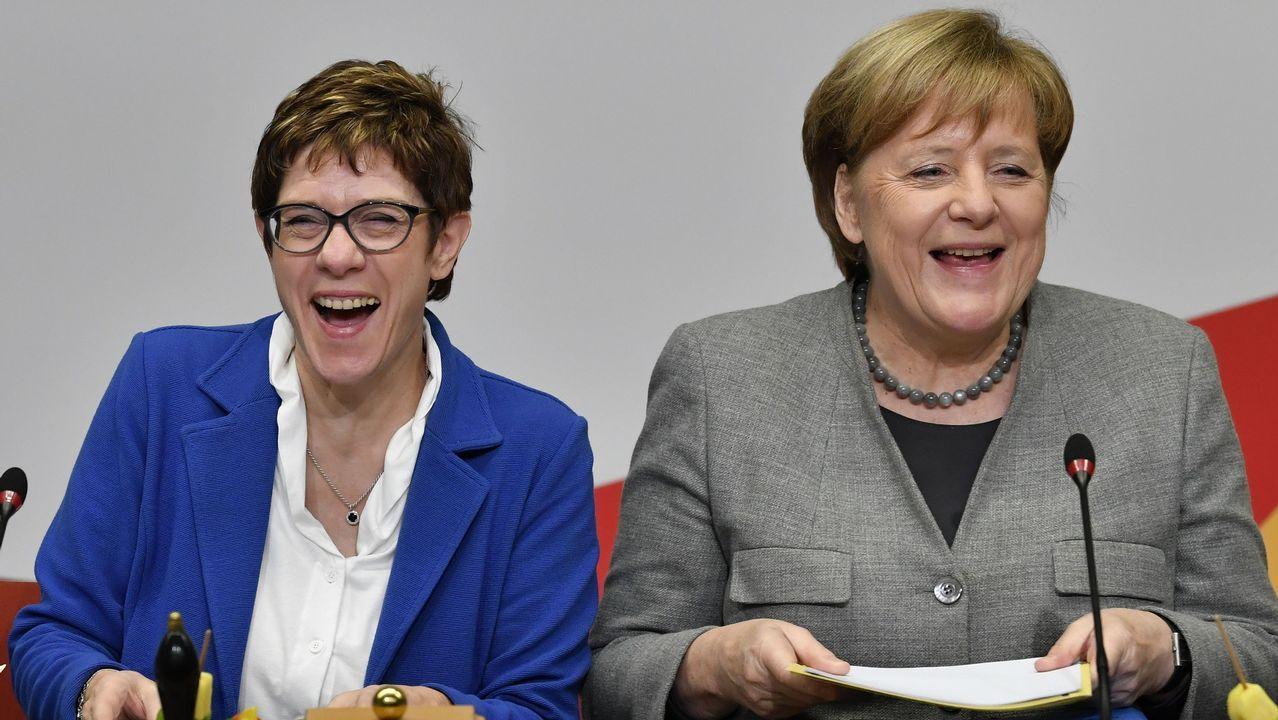 Merkel, junto a su sucesora, Annegret Kramp-Karrenbauer