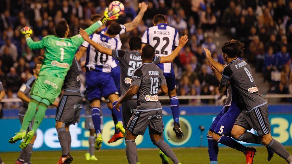 .Un momento del partido Deportivo-Celta