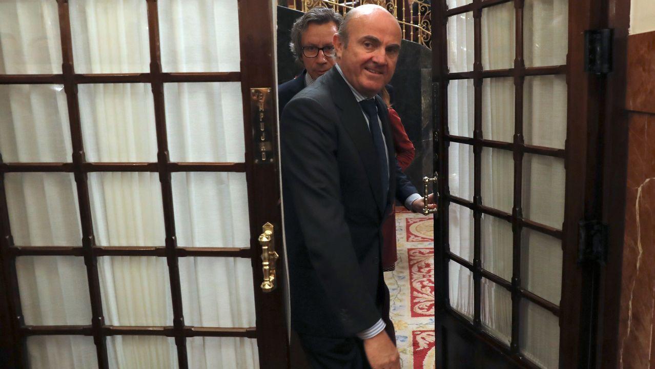Luis de Guindos, en su última sesión de control al Gobierno