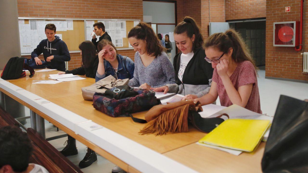 Repaso y comprobaciones en la Facultade de Ciencias Sociais de Pontevedra