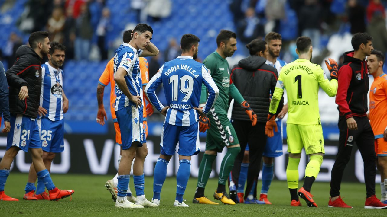 Diegui Johannesson Owona Real Oviedo Almeria Carlos Tartiere.Sergio Egea, el día de su despedida del Real Oviedo en marzo de 2016