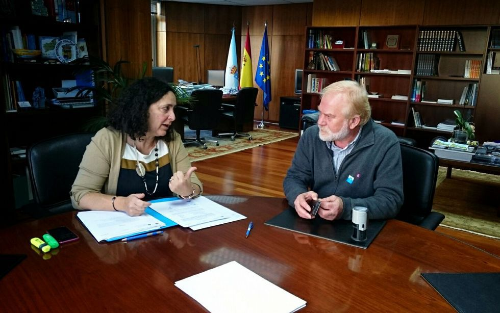 Do Campo y Noceda se reunieron en el concello carnotano.