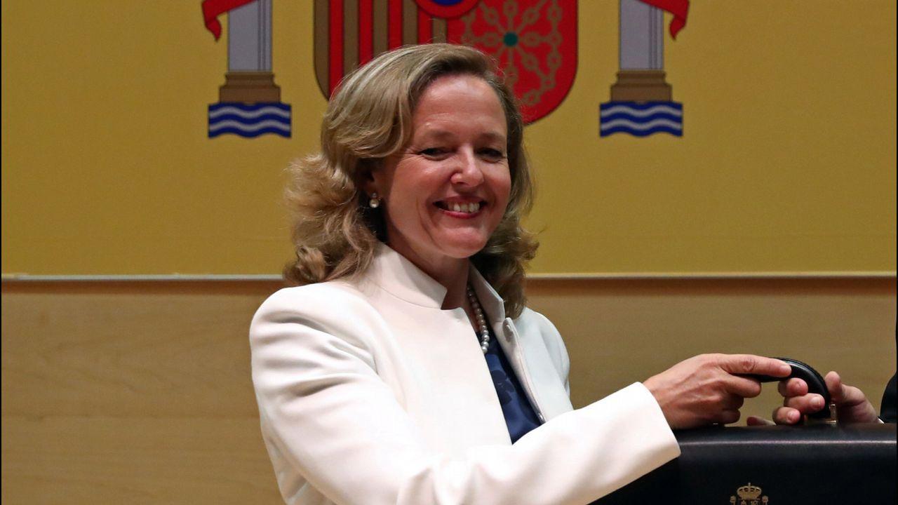 Nadia Calviño:  Me encuentro ilusionada por formar parte de un gobierno feminista .Sánchez, junto a la ministra Magdalena Valerio, se vio ayer en Moncloa con los presidentes de las patronales y los líderes de CC.OO y UGT
