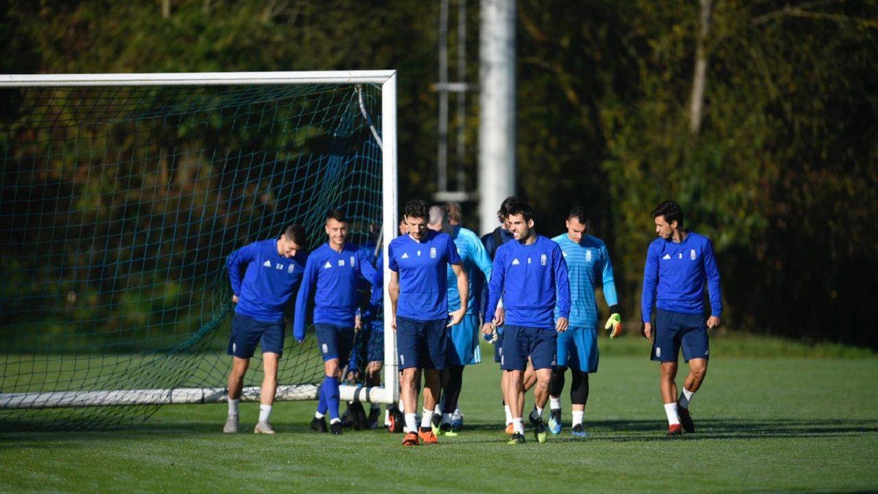 Jugadores del Real Oviedo en El Requexón