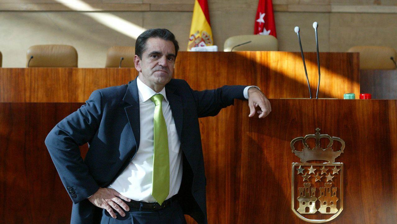 Ignacio González abandona la prisión en un lujoso Jaguar.Anquela en El Requexón
