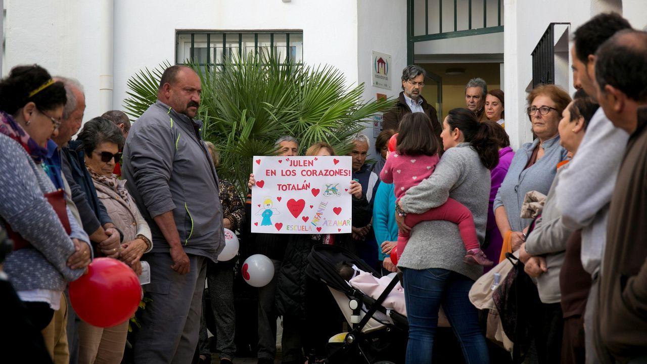 |EFE.Vecinos de Totalán protagonizan un minuto de silencio en memoria del pequeño Julen