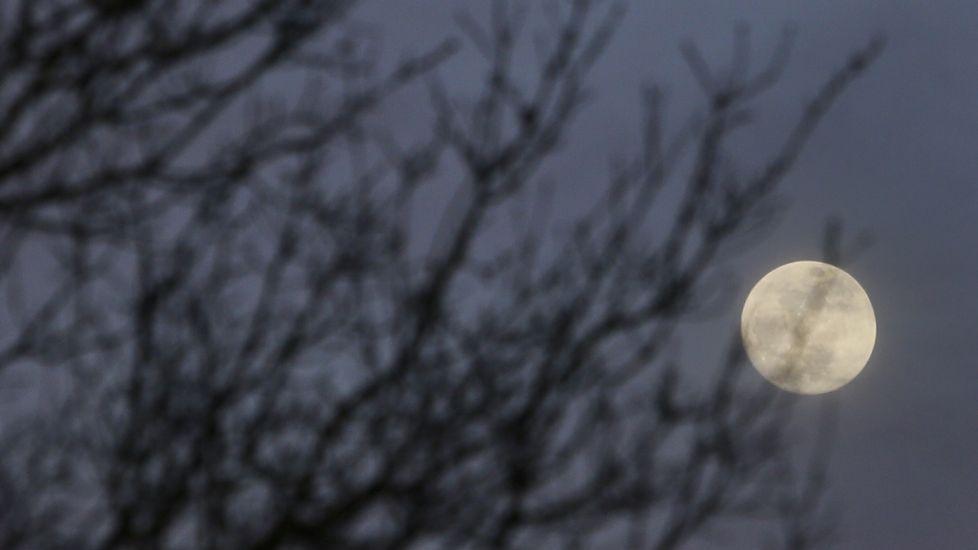 Pero ¿qué es una superluna azul?.Imagen de archivo de un eclipse lunar