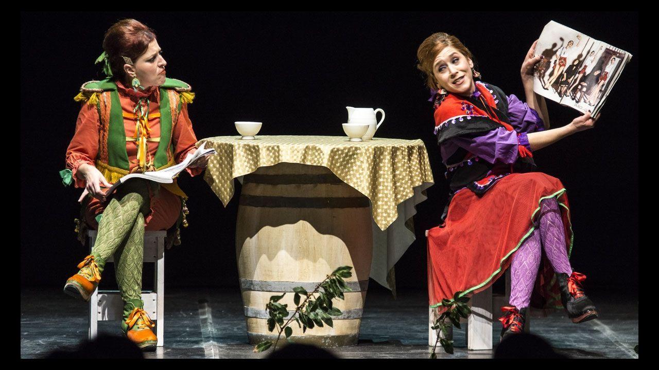Estrea de «Carpe diem».La muestra en el Auditorio de Galicia reúne trabajos de más de un centenar de diseñadores