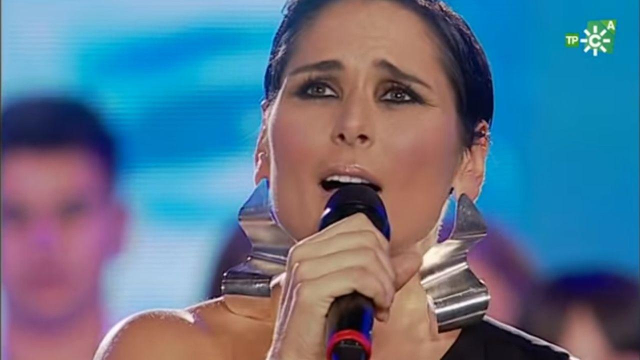El desafinado «Sueña» de Rosa López en la gala Unicef