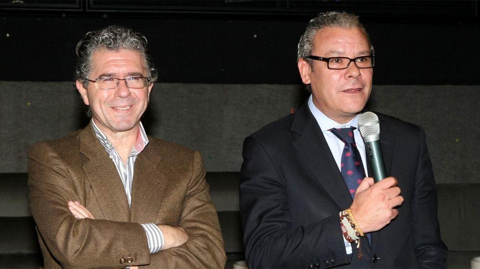 .El exconsejero del PP de Madrid Francisco Granados y el exdiputado y exalcalde de Valdemoro, José Miguel Moreno, en la copa de Navidad del PP de Valdemoro en el 2010