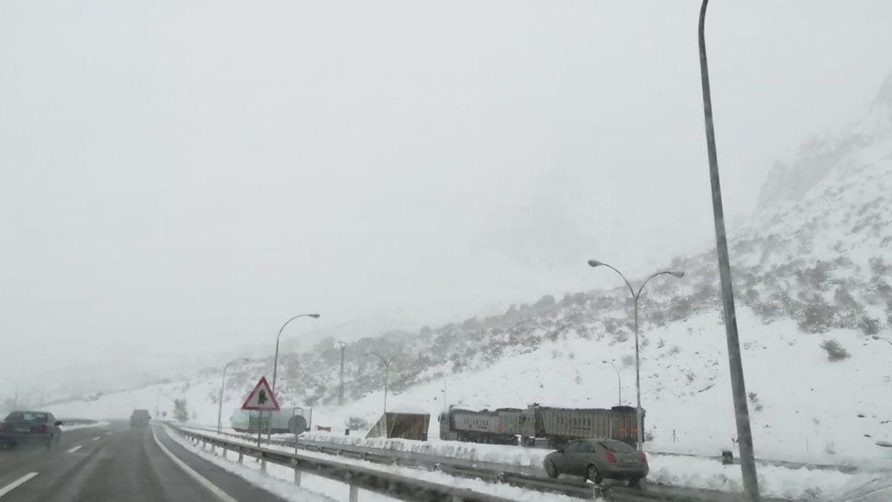 Temporal en la autopista del Huerna