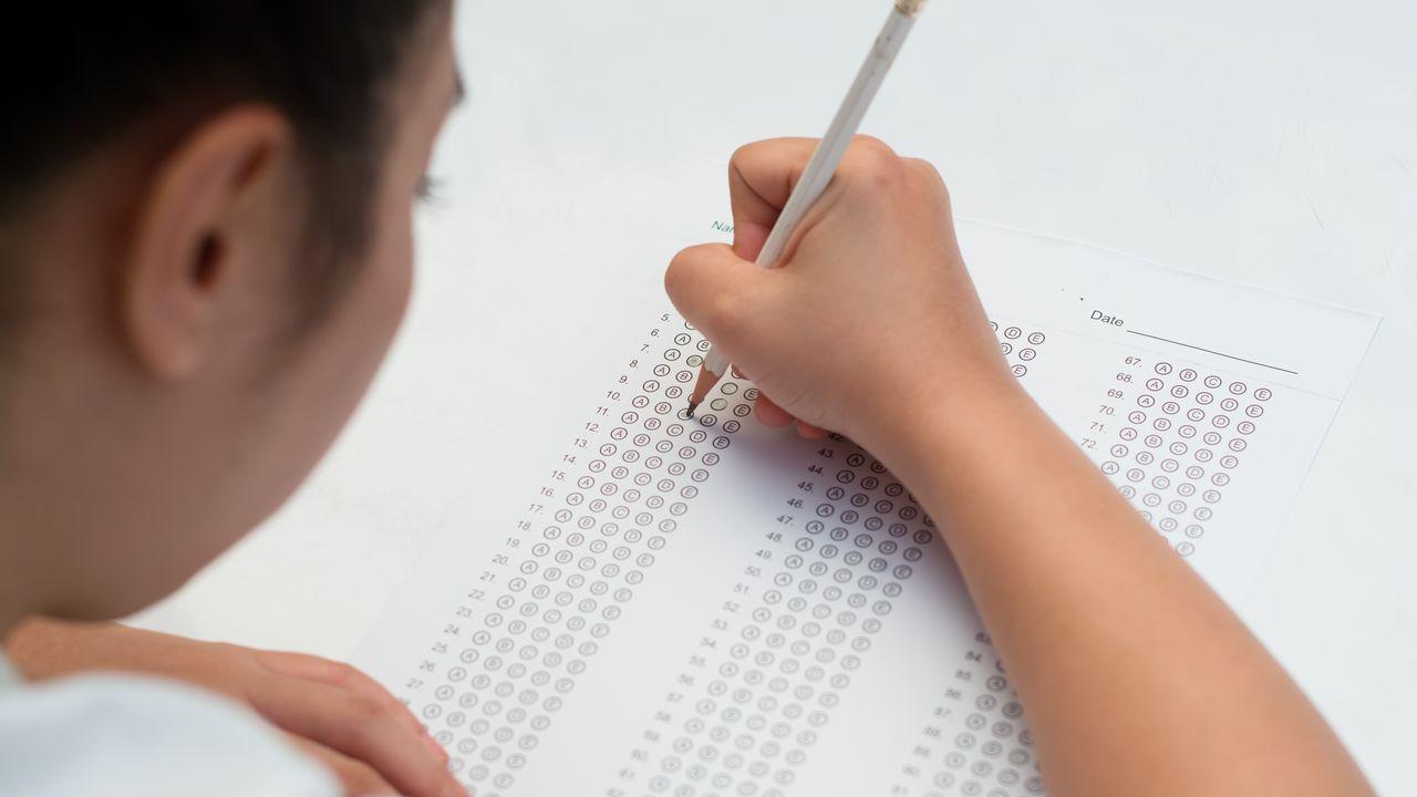 No exame tipo test, le ben as instrucións antes de comezar e responde primeiro as preguntas que saibas