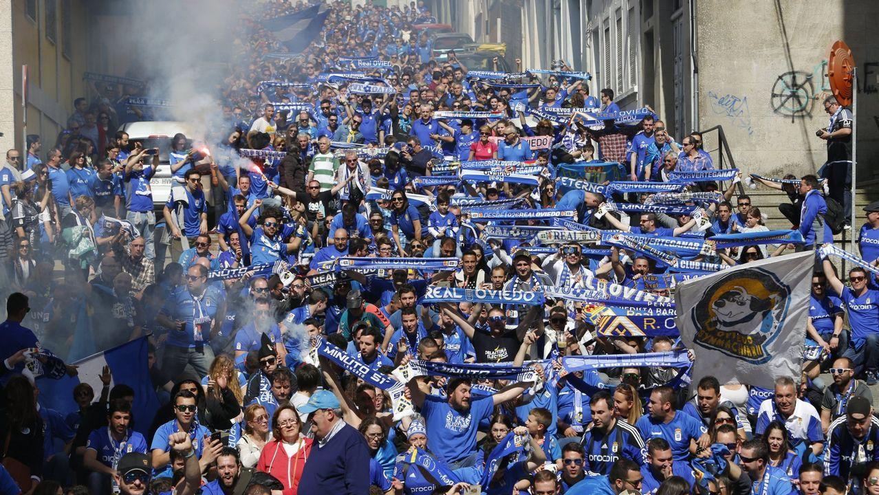 Gol Saul Berjon Javi Hernandez Ibrahima Balde Real Oviedo Osasuna Carlos Tartiere.Pacheta y Anquela dan instrucciones en el Oviedo-Elche