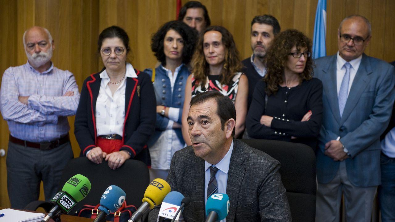 Cadenas y Rueda, ayer en Santiago, analizaron el colapso en la Justicia causado por la huelga de funcionarios